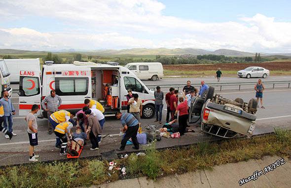 Sivas'ta trafik kazası 1 ölü, 3 yaralı